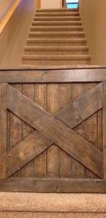 שער עץ לפנים הבית