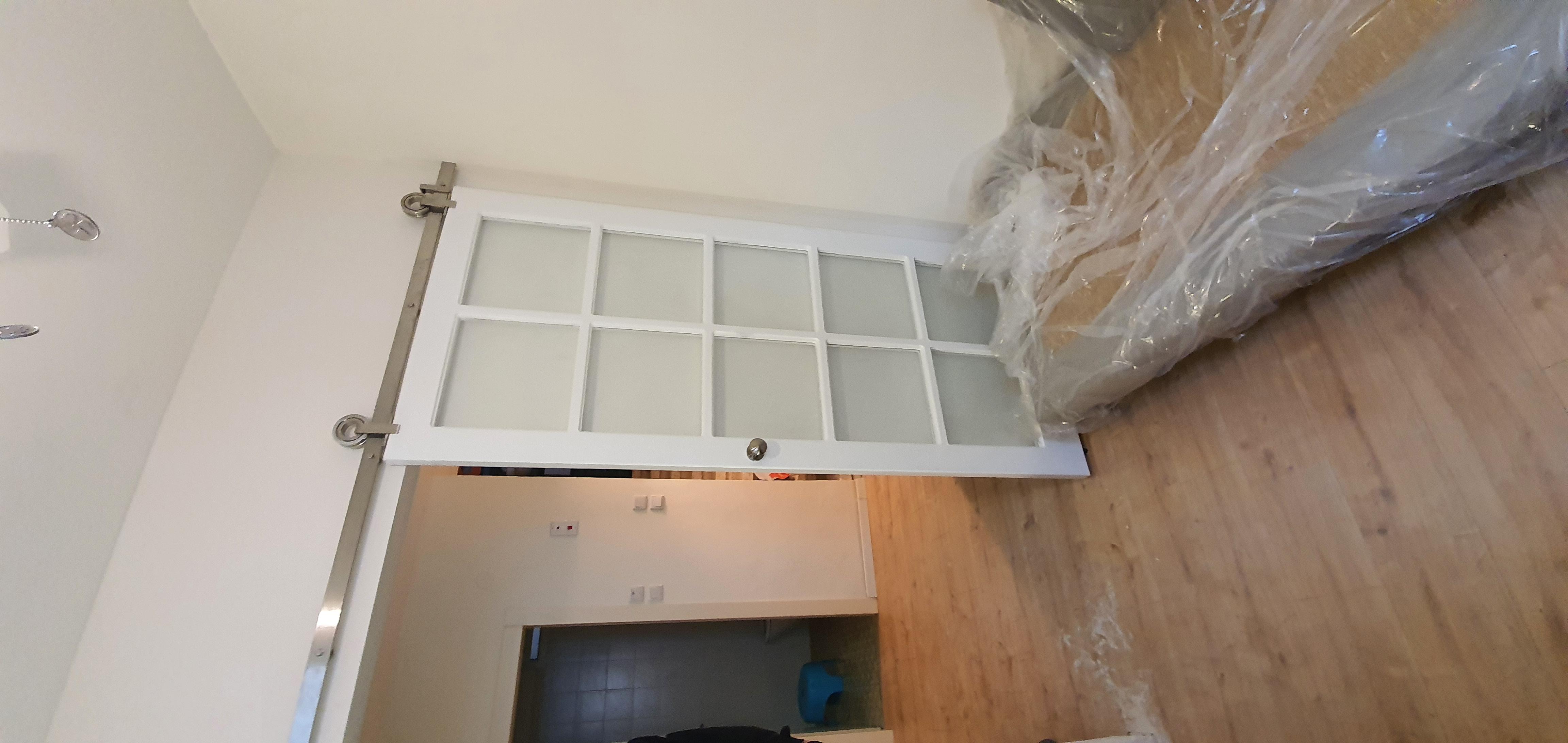 דלת אסם משולבת כוורת חלונות_120317