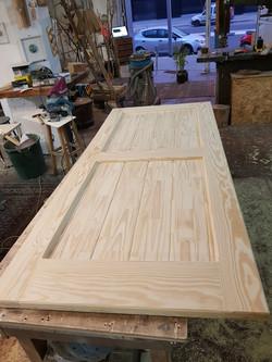 דלתות עץ גושני