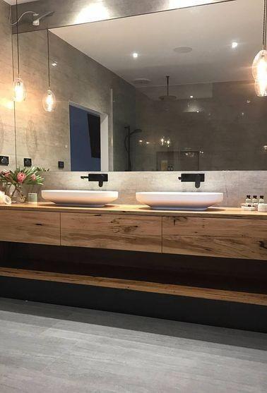 ארונית אמבטיה צפה מעץ גושני משולב מגירות אינטגרליות