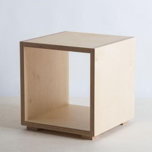קופסא פתוחה בירץ עם רגליות