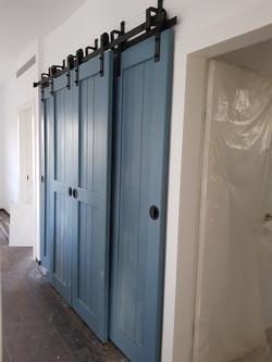 מערכת דלתות אסם מרובעת