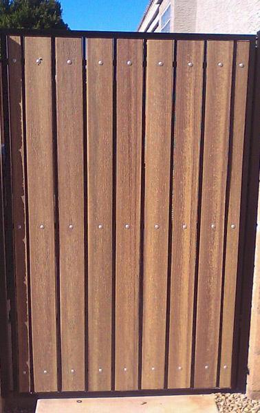שער עץ איפאה משולב מתכת