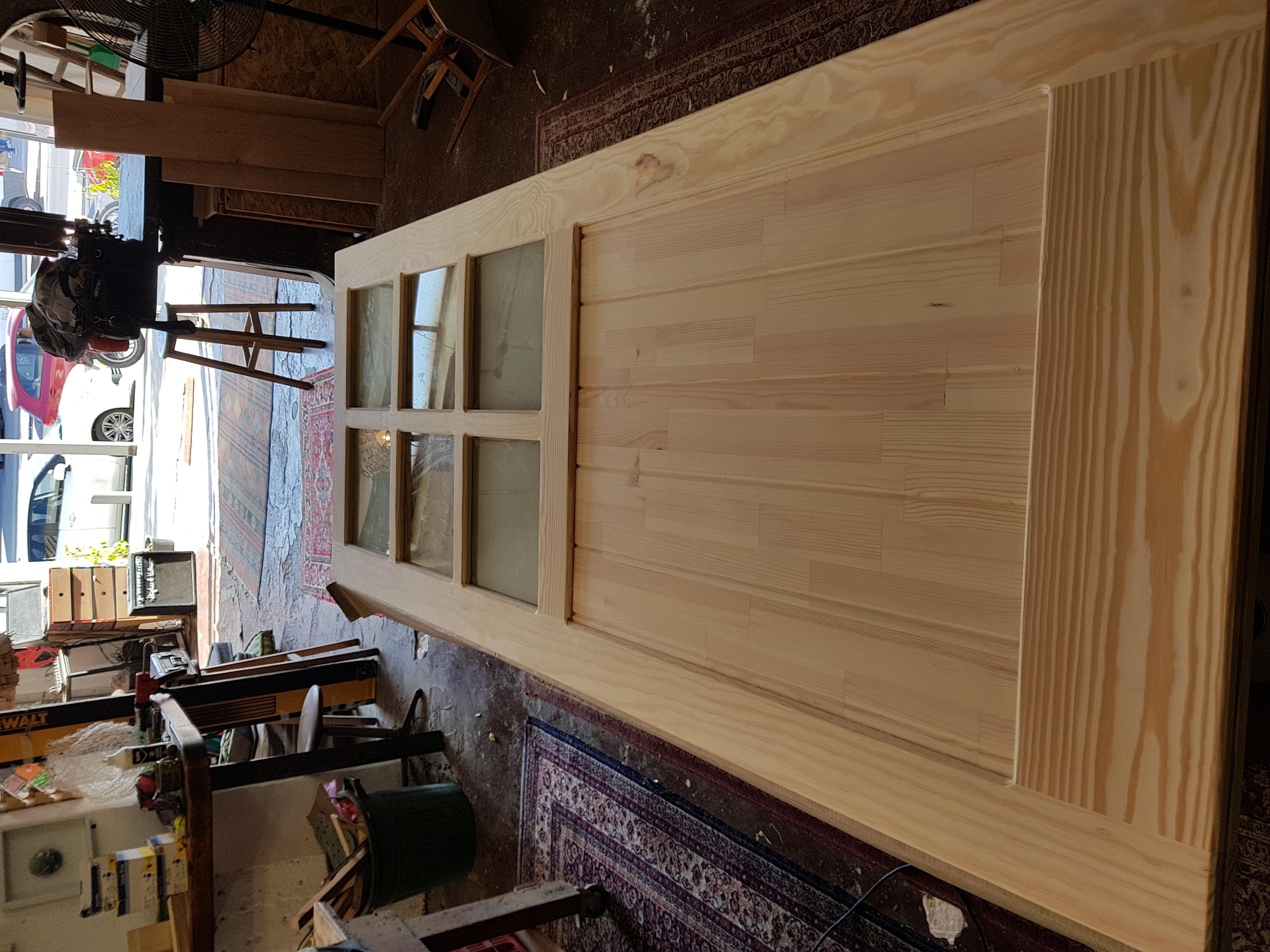 דלתות אסם מעץ מלא וגושני