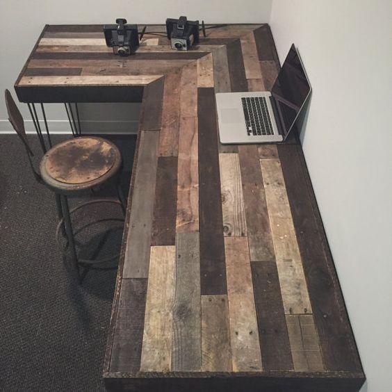 שולחן מחשב מעץ ממוחזר