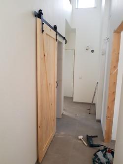 דלת הזזה פלוס משקופים