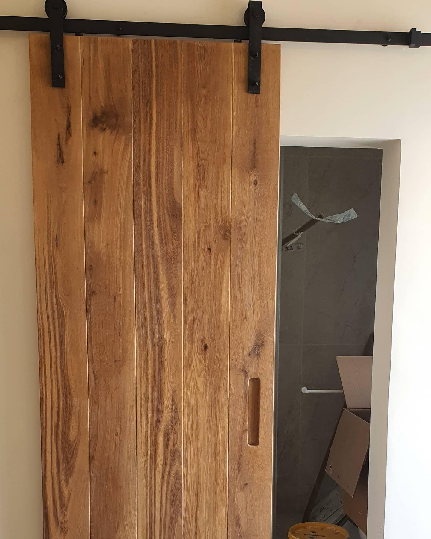 דלת אסם אלון סטריפים