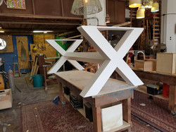רגלי X לשולחן