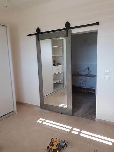 דלת אסם משולבת מראה