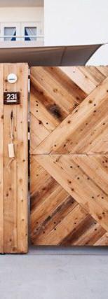 שער עץ אורן עם דוגמא
