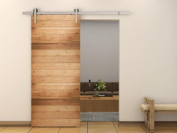 דלת עץ אורן קלאסית ב 3 גוונים של חום