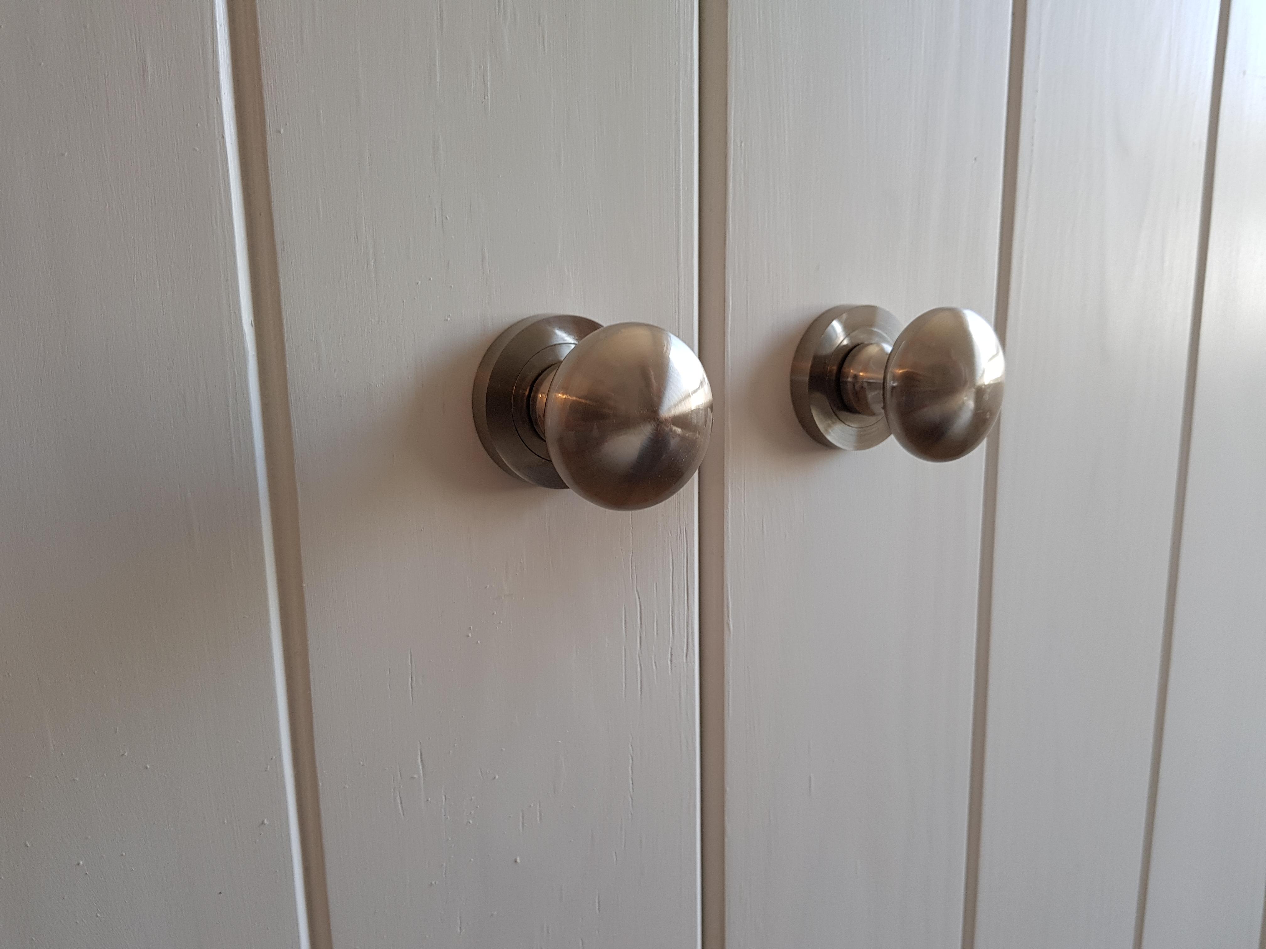 דלתות הזזה מודרניות