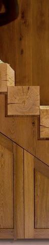 מדרגות מעץ גושני