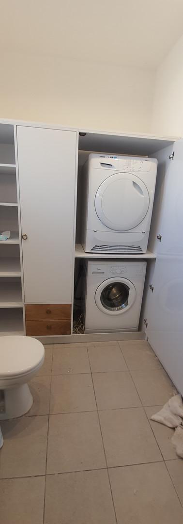 ארונית שירות משולבת הסתרה למכונת כביסה ומייבש