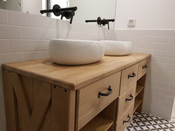 ארונית אמבטיה משובלת כיורים מונחים