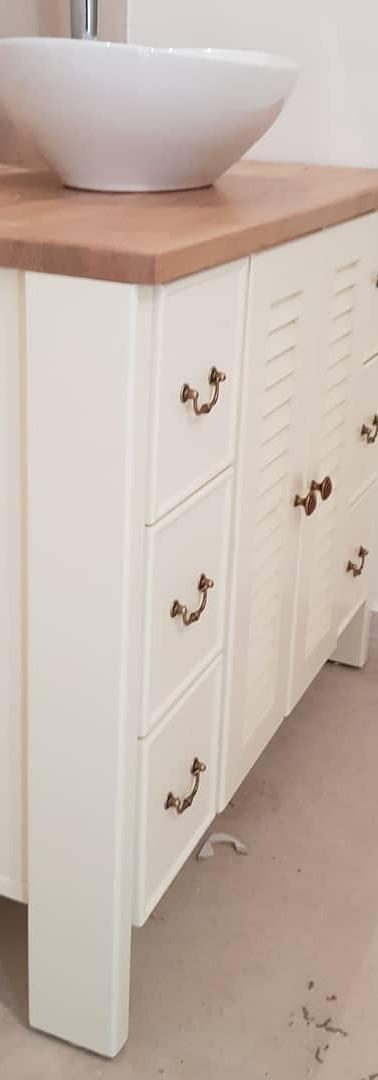 ארונית אמבטיה משולבת דלתות תריס גמר צבע בתנור