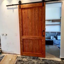 דלת אסם ענקית מעץ קנדי