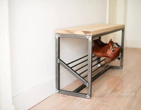 ספסל משולב מתקן לנעליים