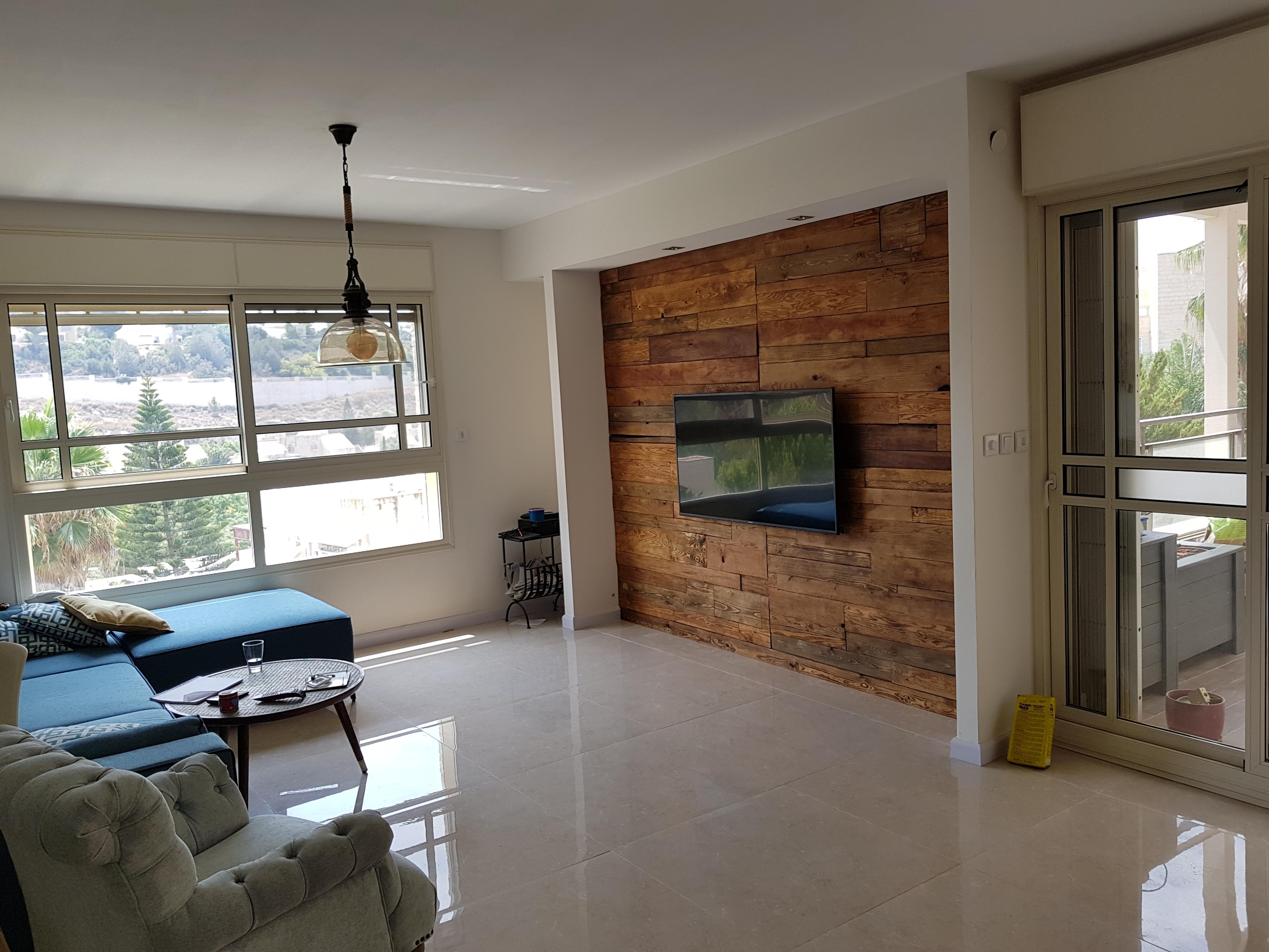 חיפוי קיר טלוויזיה בעץ