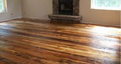 רצפת עץ אורן ב 3 גוונים התקנה קלאסית