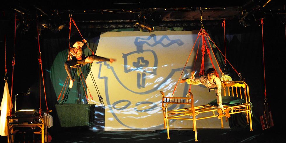 """Espetáculo teatral infantil """" A pulga do arquiteto""""   Cia Linhas Aéreas   Teatro Alfa   2012"""