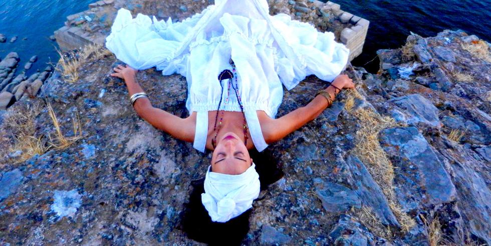 Performer: Marcia Conceição   Fotografia: Simone Donatelli   Festival A Salto - Um Coletivo, Elvas, Portugal, 2017.