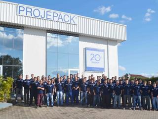 Projepack integra colaboradores em atividade de confraternização