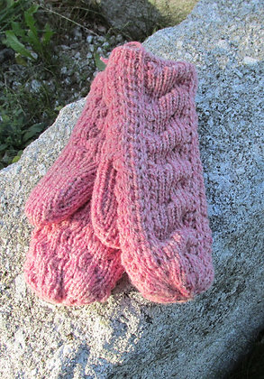 Cable Mitten, Burgandy Heather