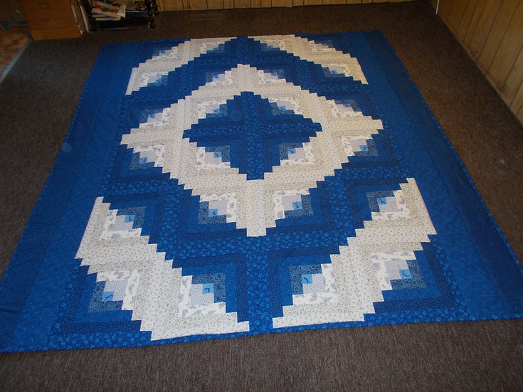 "Log Cabin XL Quilt. Queen size. 86"" x 104""."