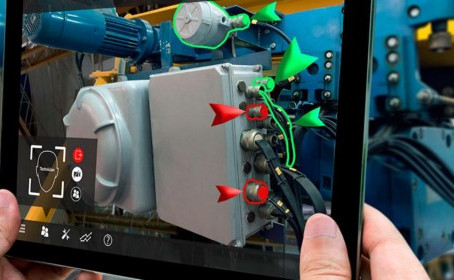 5 Reasons Why AR is the Future of Smart Factories