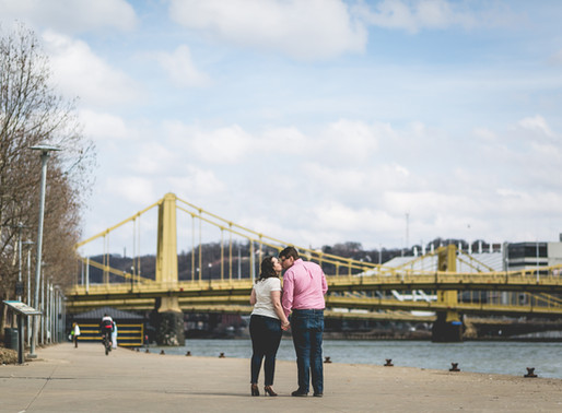 Maggie & Aaron | Pittsburgh Riverwalk