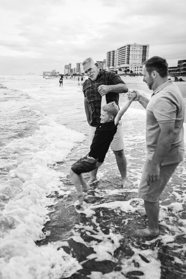 beach-family-portraits-130.jpg