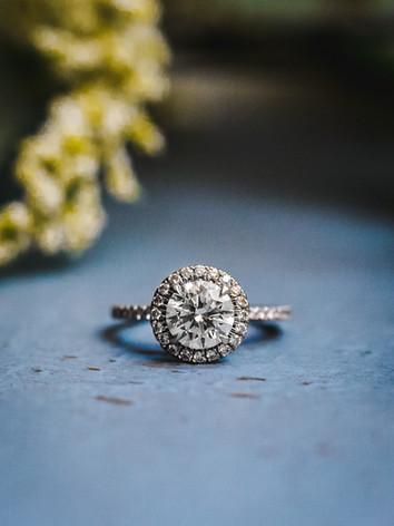 wedding-outdoor-burgandy-blush-ring-seal