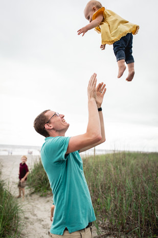 beach-family-portraits-075.jpg