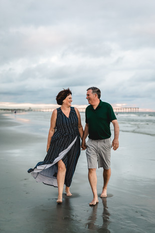 Morgan-Fam-Beach-Photos-2020-016.jpg