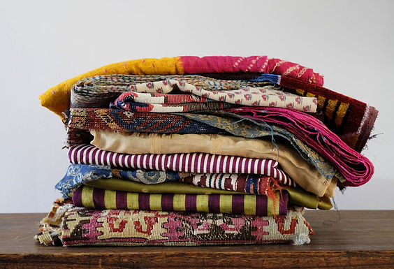 「惹かれる布」-布を飾ろう- 展