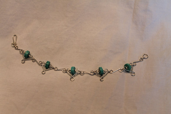 Bracelet: Turquoise and silver hearts