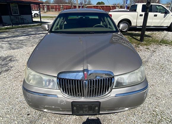 2001 Lincoln Town Car Signature Series