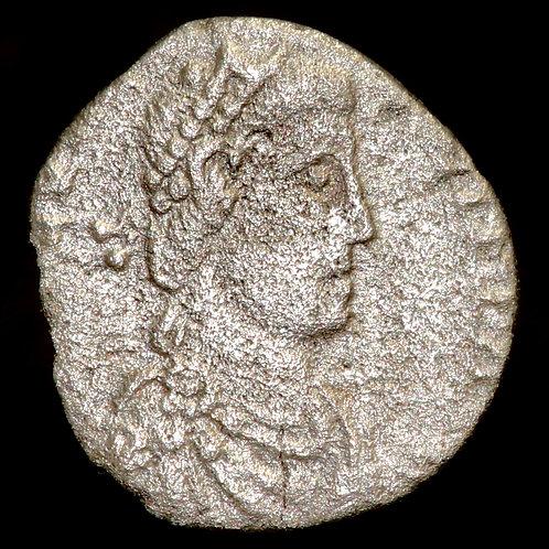 Roman Empire. Magnus Maximus, 383-388 AD. AR Reduced Siliqua. Trier Mint.