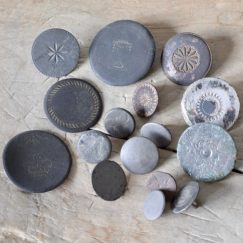 Georgian And Later Buttons, 18th-19th Century.