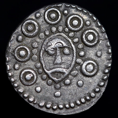 Anglo-Saxon. Sceatta, c.710-60. Wodan Head / Pecking Bird Type. Hamwic Mint.