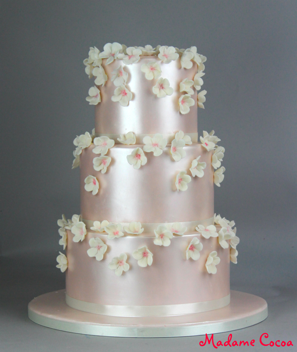 pearly blossom wedding cake