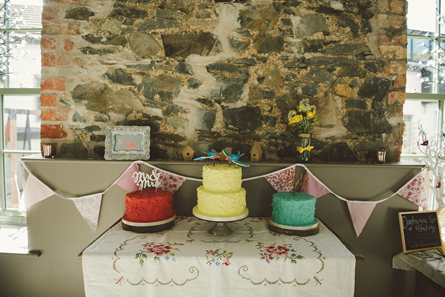 Retro buttercream wedding cakes