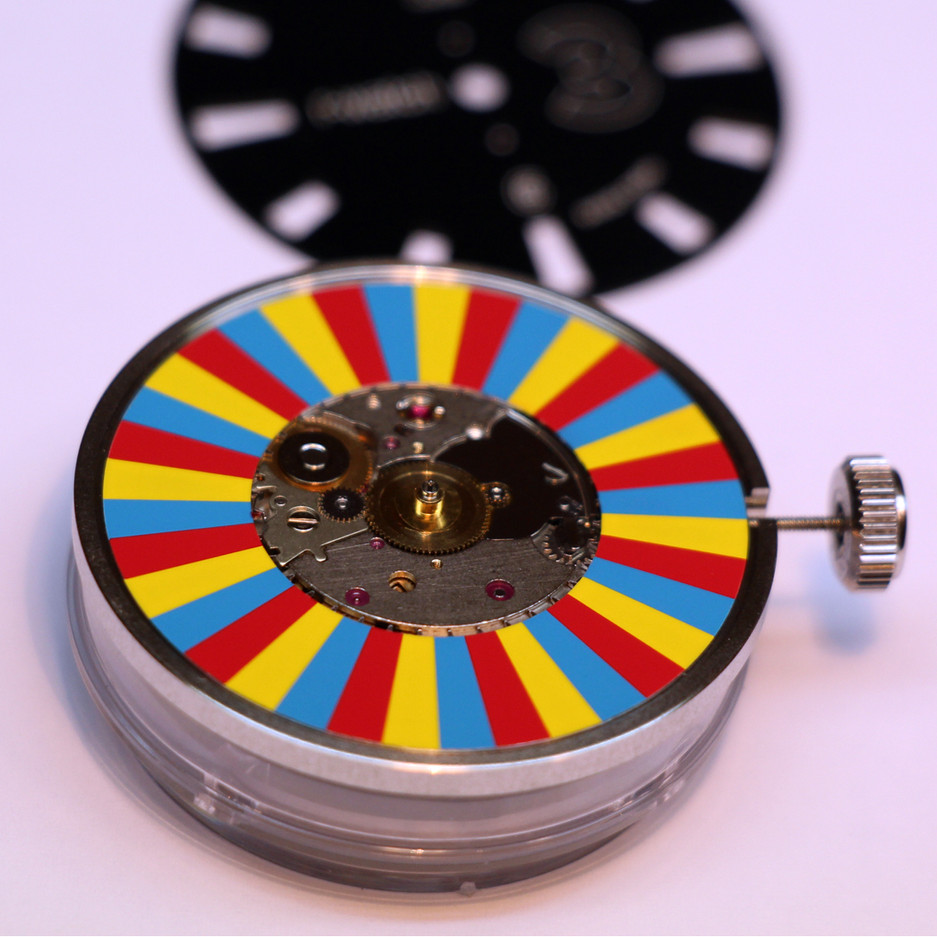 r-watch modèle 3 couleurs disque.jpg