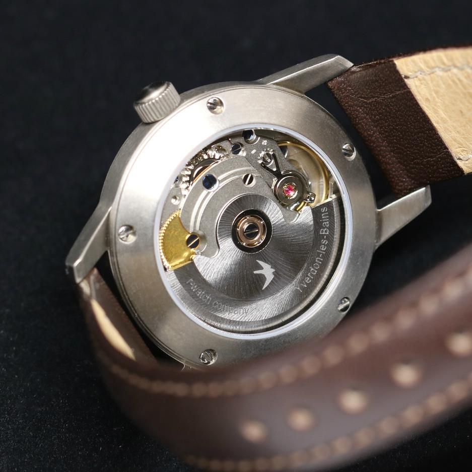 montre r-watch femme fond.jpg