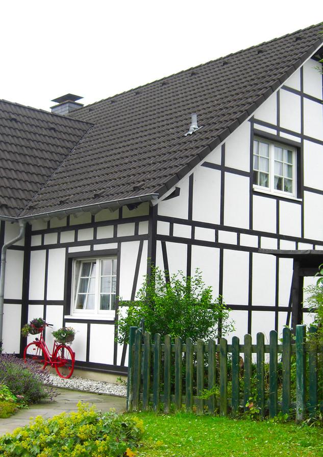 Malermeister Fuchs,  Fachwerk-Neubau