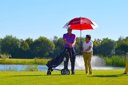 Golfen mit Sonnenschutz