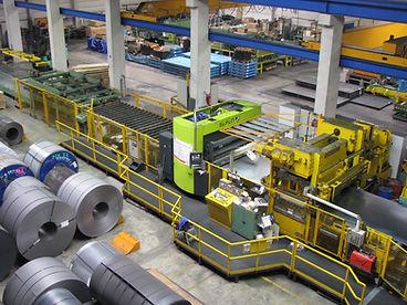 15 Walzen-Hochleistungs-Richtmaschine  Coil-Gewicht max. 35 t  Coil-Innendurchmesser 470 – 930 mm