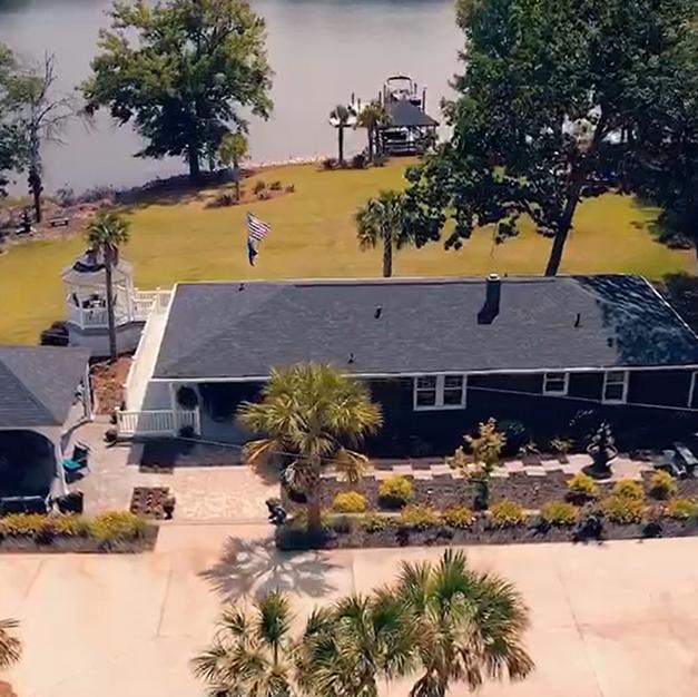 Columbia Lake House Getaway on Lake Murr