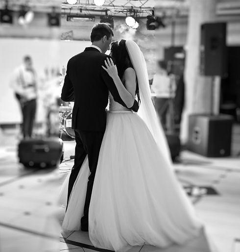 wedding%20couple%205_edited.jpg